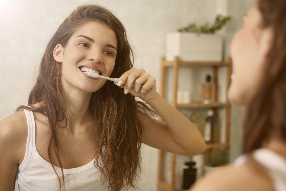 איך נשמור על בריאות השיניים והחניכיים בתקופת הקורונה